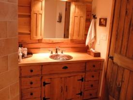 Vanity-in-main-Bathroom