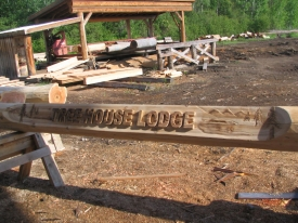 tree-house-lodge-sign